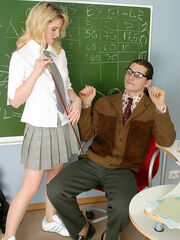 Usual lesson ends with a warming up pantyhosejob for sizzling hot teacher